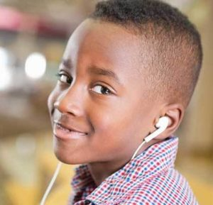 ear-buds-headphones-kids-blog